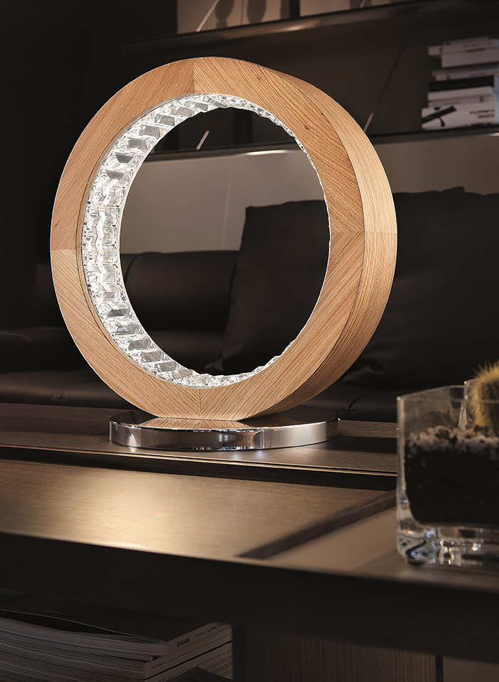 Natural oak wood, diffusers with opaque crystal lozenges. Chromed metal base