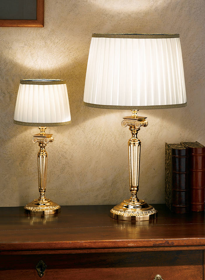 Gold plated solid brass base. Pongè lampshades